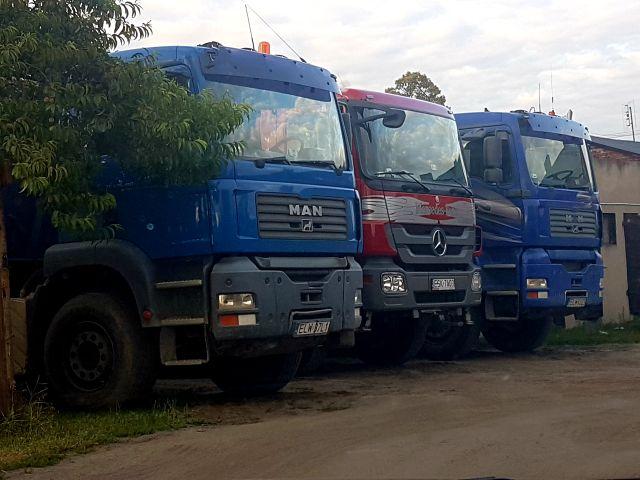 Sur Pol zapewnia usługi transportowe - wynajem pojazdów transportowych i maszyn budowlanych z kierowcą Sur Pol Łódź Rzgów